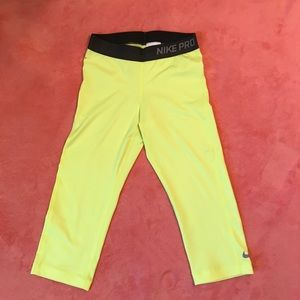 Volt Nike leggings